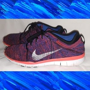 2 pair of Nike flyknit tennis shoes